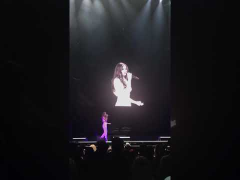 HAILEE STEINFELD FT MNEK | Colors [Live at Witness The Tour in London]