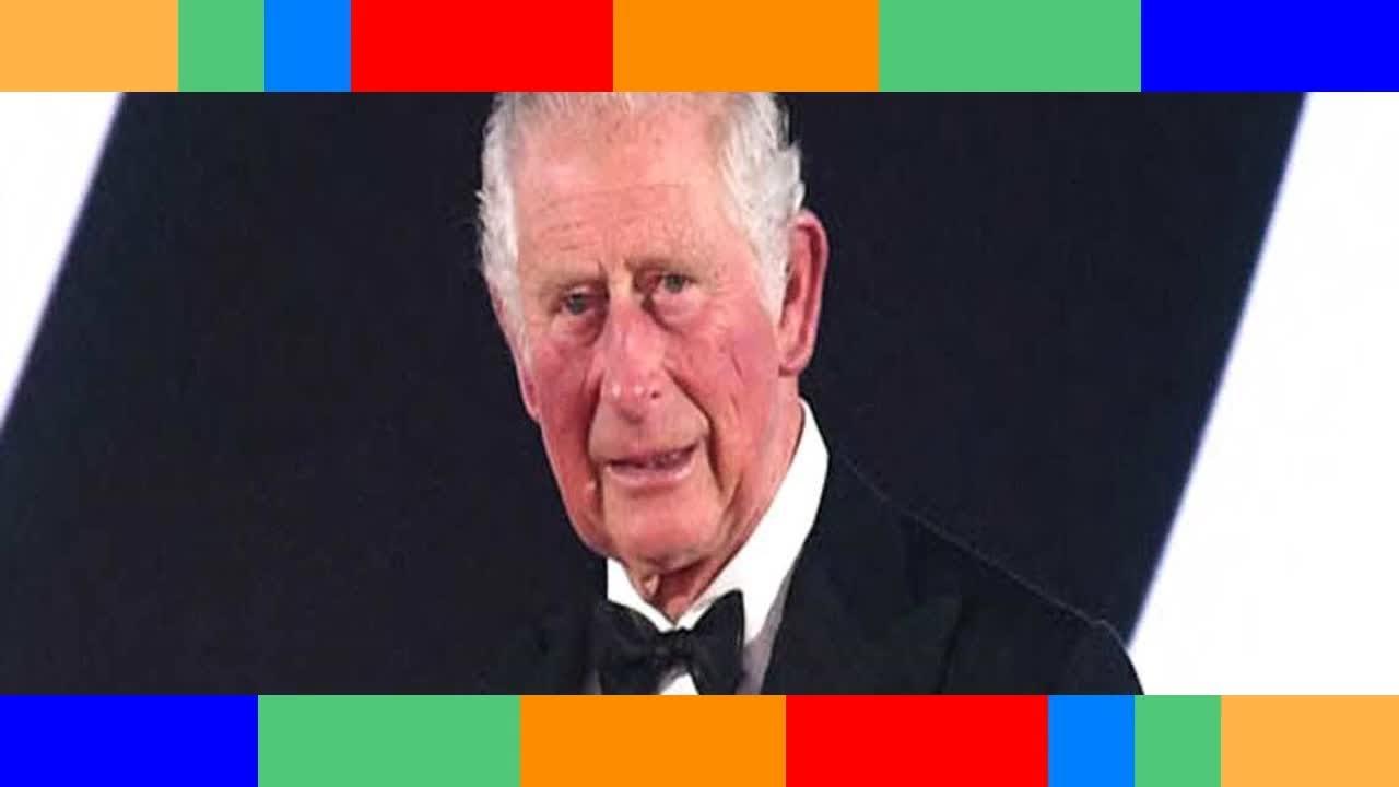 Prince Charles son frère Andrew interdit de dîner en sa présence
