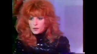 """Mylene Farmer """"Pourvu qu' elles soient douces"""" FR2 1988"""