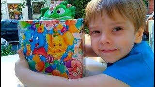 БАЖАСИК Щасливчик дарит Рише Подарок Нобычные сладости и сюрпризы Open Box Many Toys and Surprise