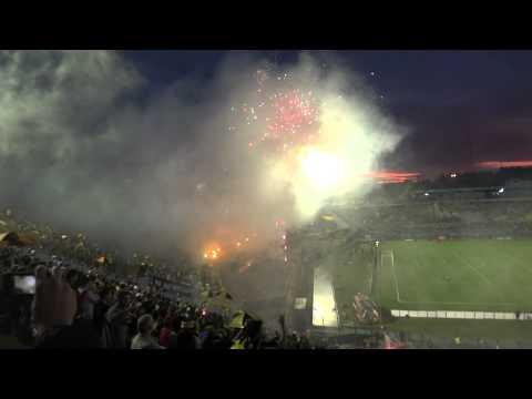 """""""Peñarol vs U.Chile recibimiento Barra Amsterdam.06/03/2012 .Si No Lo Sentis No Lo Entendes"""" Barra: Barra Amsterdam • Club: Peñarol"""