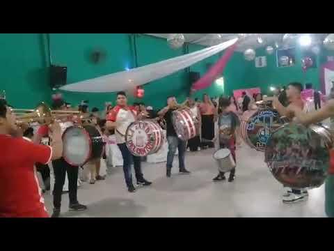 """""""La Banda del Camión tocando en unos 15 😉"""" Barra: La Banda del Camion • Club: San Martín de Tucumán"""