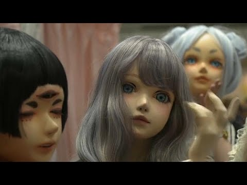 العرب اليوم - شاهد: دمى حية تشارك في معرض طوكيو للفنون