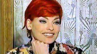 Cindy Crawford Reporting On Linda Evangelista (1992)