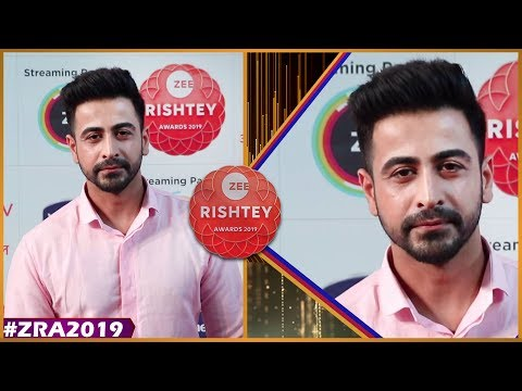 Dishank Arora At Zee Rishtey  Awards 2019   Zee Awards 2019   Jiji Maa