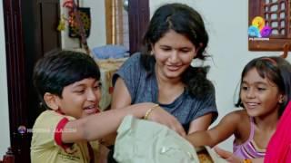 Uppum Mulakum│സാധനം വിൽക്കാൻ വന്ന ചേച്ചിക്ക് വീട്ടിലെ സാരി കൊടുത്തു | Flowers│EP# 320
