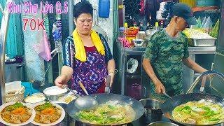 Phát thèm Dĩa Hủ Tiếu Xào Thập Cẩm 70k tại khu Người Hoa lớn nhất Sài Gòn