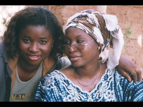 """Bambara film, English captions, avec Kadi Jolie : """"Conseils d'une tante"""" (Global Dialogues)"""
