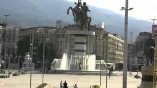アキーラさん散策③旧ユーゴスラビア・マケドニア・スコピエ・マケドニア広場・Skopje,Macedonia