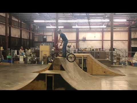 Turtletrap Vlogs Day 5: the Hanger Skatepark