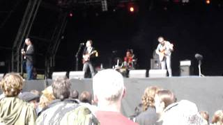 Fire Engines - 'Get Up and Use Me' (Live @ Connect 2007)