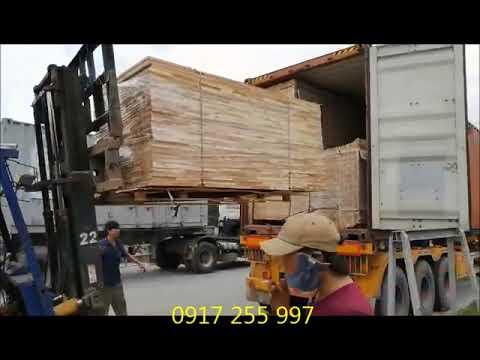 Phôi gỗ Bảo Long lên xe xuất xưởng