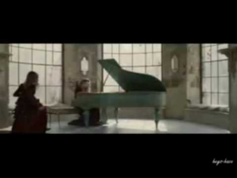 Cual es el nombre de la cancion con piano q sale en la for Cancion de la pelicula el jardin secreto