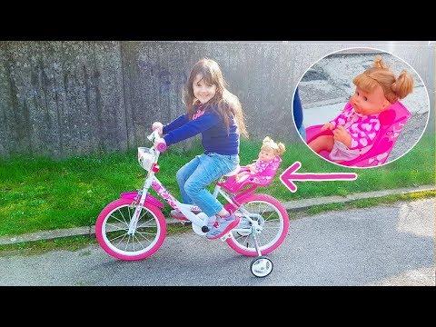 Nenuco in bicicletta e al parco insieme ad Alyssa
