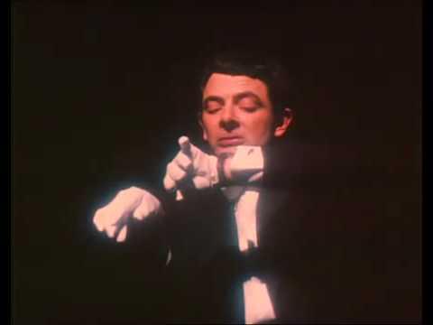 Divertida Actuación De Un Joven Mr Bean