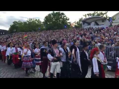 Abschlussveranstaltung europäisches folklore festival in Neustadt