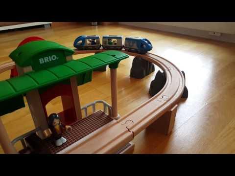 Brio Bahn - Große Bahn Reisezug Set von Brio Holzeisenbahn Set 33512