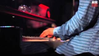 Tom Odell - Hold Me (Live at Bordello Theatre)