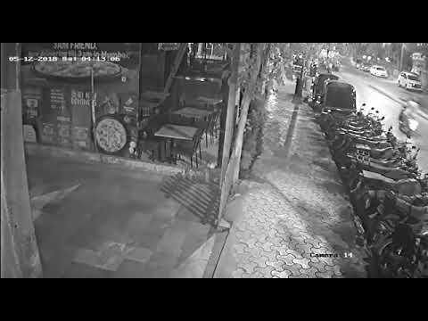 Грузовик протаранил припаркованные мотоциклы