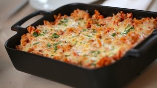 Beth's Cheesy Pizza Pasta Bake Recipe | ENTERTAINING WITH BETH