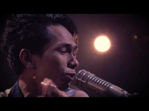Breakout Showcase: FOURTWNTY - Fana Merah Jambu