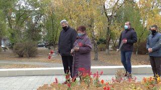 Покладання квітів з нагоди 76-ї річниці вигнання нацистів з України
