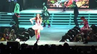 Miley Cyrus - Hoedown Throwdown - Live in Portland, OR (Wonder World Tour 2009)