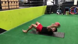 Фабрисио Вердум тренируется