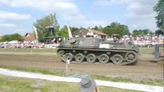 preview picture of video 'Traktorpulling Notzing 2012 Jaguar Panzer Offene Klasse Fullpull'