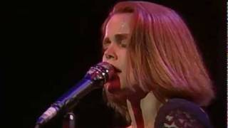Belinda Carlisle - Circle in the Sand (Runaway Horses Tour '90)