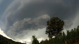 Črni oblaki in toča v Prlekiji