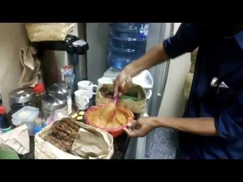 Video Bumbu Kacang - Sate Ayam Ponorogo