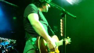 Vivian Campbell with Thin Lizzy - Don't Believe a Word (Barcelona) 30/01/2011