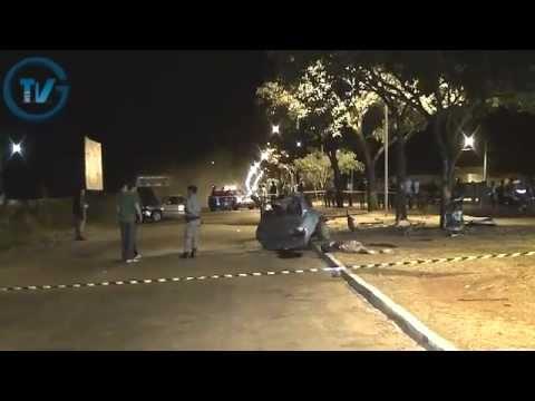 Carro parte ao meio e mata 2, em Goianésia.