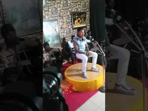 Umar m sharif,shirin Murya na Ali jita (Hausa Music)