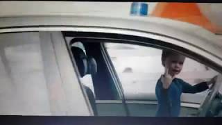 Жосткый малыш за рулем с фильма напарник