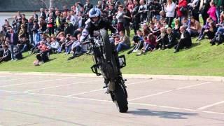 Pokaz stuntu Motocyklowego w Dukli