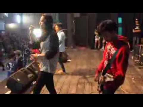 STRIKES DOWN - Buktikan (Live rock in room tasikmalaya)