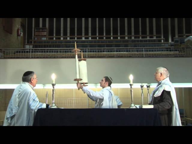 Hagbaha and Gelila (Raising and 'Dressing' the Sefer Torah)