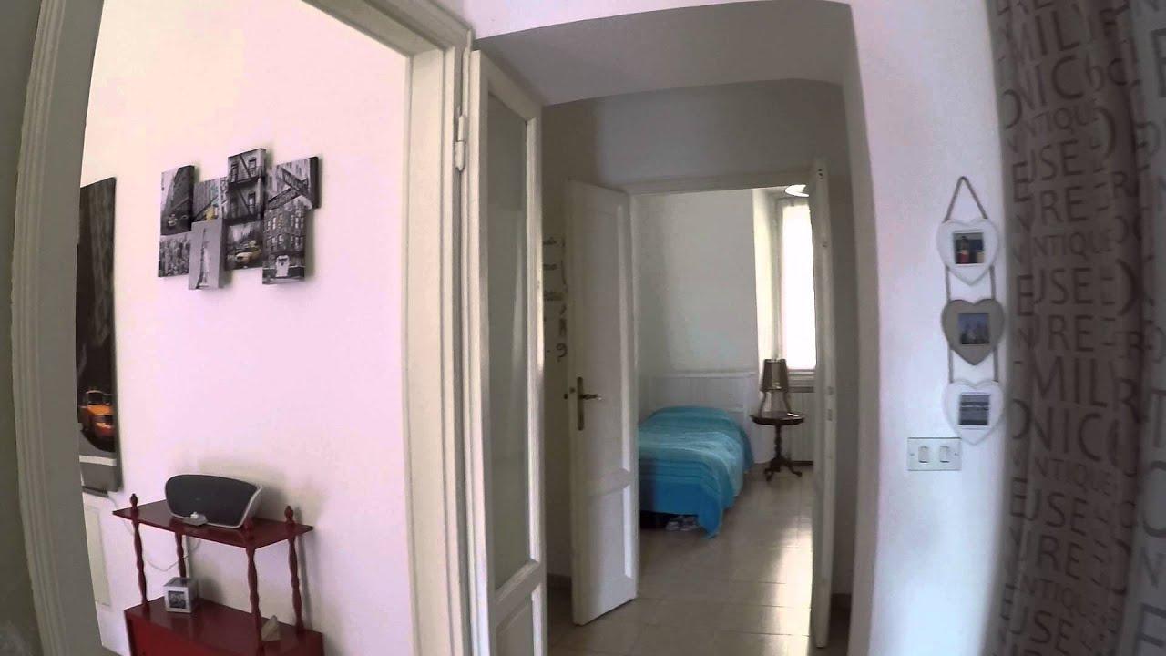 Camera da letto singola disponibile per inquilina in luminoso appartamento