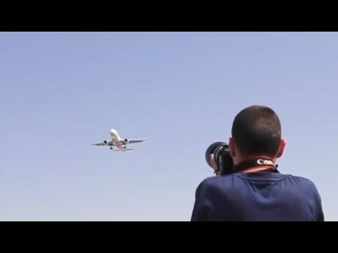 """ציידי המטוסים   במקום דיוטי פרי וחו""""ל - לעוף על המראות ונחיתות דרך העדשה"""