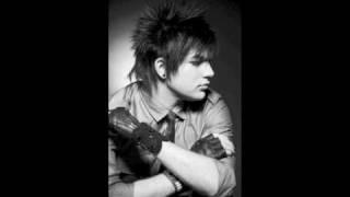 Adam Lambert - Voodoo (Bonus Track)