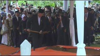[FULL] Prosesi Pemakaman Ibu Ani Yudhoyono