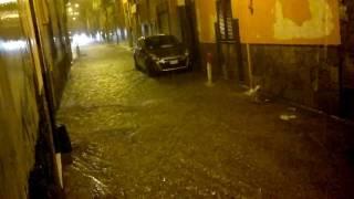 preview picture of video 'Nubifragio a Torre Annunziata'