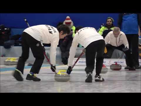 第19回冬季デフリンピック競技大会(イタリア) デフカーリング、手話とサインでのコミュニケーションの様子