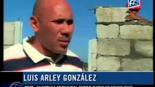 preview picture of video 'Holguín: Avanza la construcción de viviendas para los damnificados del huracán'