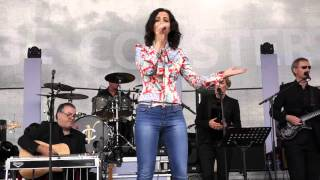 LISA MCHUGH LIVE AT HOLYCROSS 02 HILLBILLY GIRL