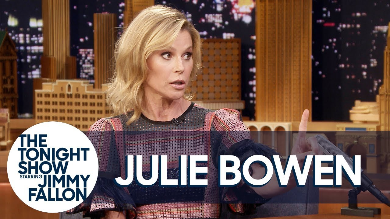 Julie Bowen Has a Strict No Penis-Pulling Rule in Her Home thumbnail