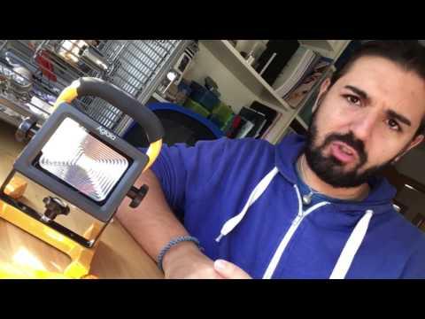 REVIEW | Aglaia Foco Proyector LED 10W con Batería