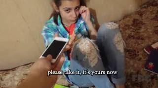 Реакция девочки на подарок айфон